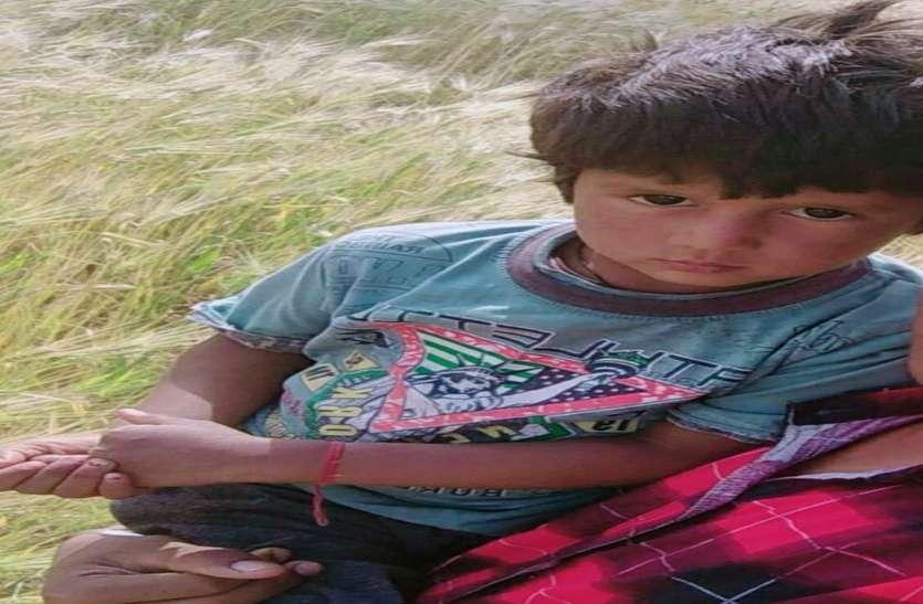 700 फीट गहरे बोरवैल में गिरा तीन साल का सुभाष, 180 फीट पर अटका