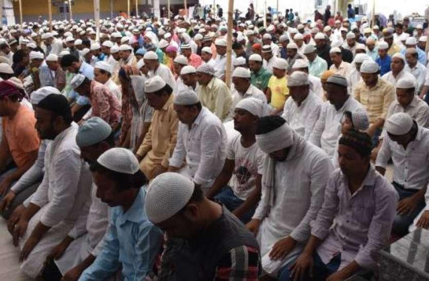 मुस्लिम धर्मगुरुओं ने की जुमे पर मस्जिद में नहीं जाने की अपील, घर पर ही नमाज पढ़ने को कहा