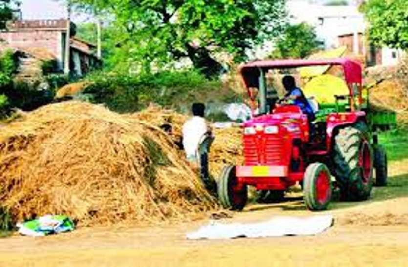 रायपुर : फसल कटाई के दौरान कोरोना वायरस के संक्रमण का खतरा, यथासंभव मशीनों का करें उपयोग