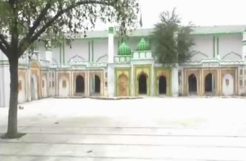 जुमे की नमाज पर मस्जिदों में रहा सन्नाटा, नमाजियों ने किया लॉकडॉउन का पालन