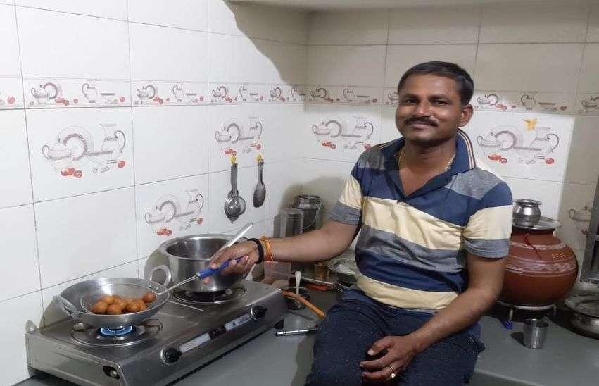 Lock Down : पुरुषों ने संभाला घर, रसोई से लेकर सफाई में भी दखल