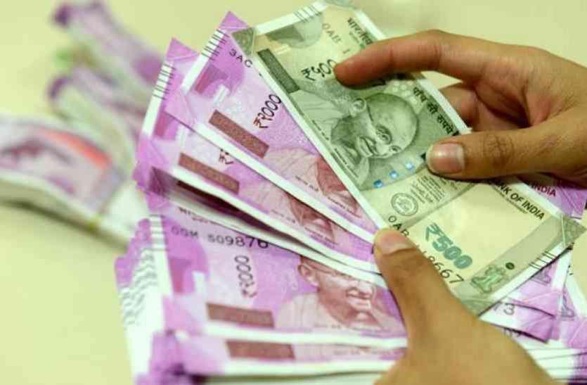 'डीयू के कई कॉलेजों में नहीं मिल सकेगा मार्च का वेतन'