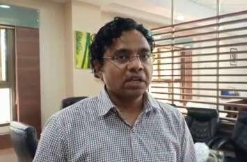 इंदौर में बढ़ रहे हैं कोरोना के मामले, शिवराज सरकार ने कलेक्टर लोकेश जाटव को हटाया
