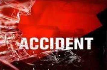 सडक़ दुर्घटना में सात मजदूरों की मौत, चार घायल