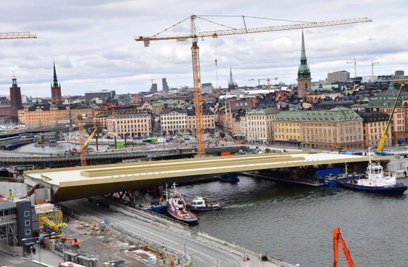चीन से तैरकर आया स्वीडन का गोल्डन ब्रिज