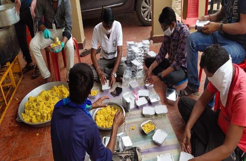 Corona virus: किराए के मकान रह रहा छात्र दो दिन से पानी के साथ खा रहा था रोटी