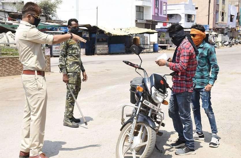 पुलिस ने मोटरसाइकिल की चाबी छीनी और उसके बाद हो गई युवक की मौत ...