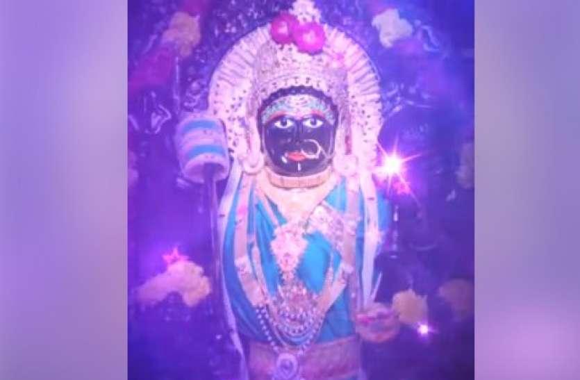 लॉकडाउन में मंदिर नहीं जा पा रहे तो भक्त कर रहे वर्चुअल दर्शन और आरती