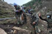 Lockdown में Indian Army का जज्बा High, बर्फ में दबे लोगों को यूं निकाला, पहाड़ के रास्ते से जा रहे थे घर