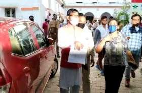 Lockdown के दौरान महिला की कार रोकने पर विवाद, सूचना मिलते ही तुरंत मौके पर पहुंचे भाजपा विधायक