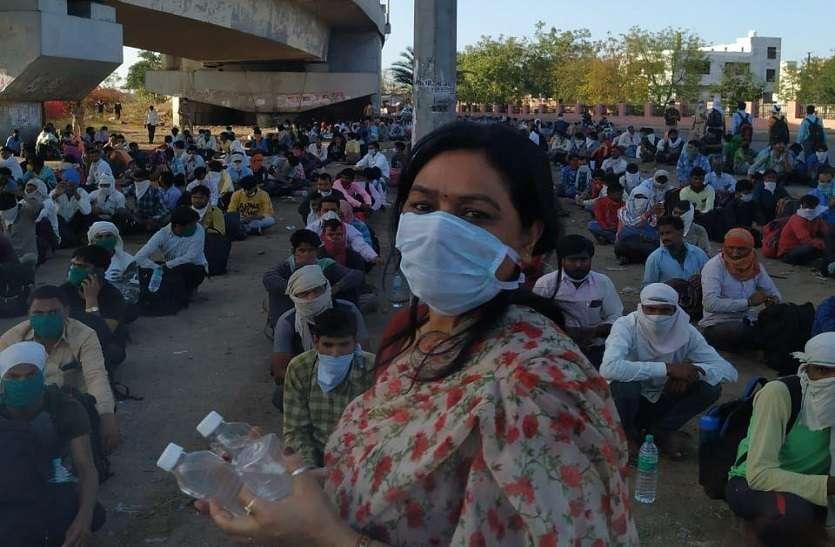गरीबों की सेवा के लिए जयपुर वालों ने खोले हाथ