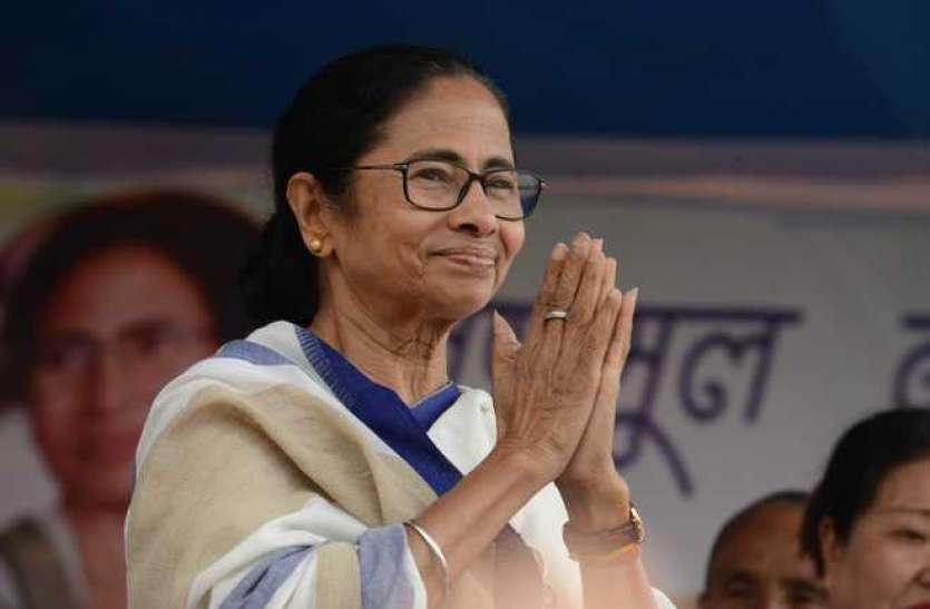 न सैलरी और न ही कोई पेंशन, फिर भी ममता बनर्जी ने राहत कोष में दिए 10 लाख रुपए