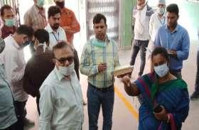 1484 घुमंतू मजदूरों को 14.84 लाख रुपए की आर्थिक सहायता : डीएम