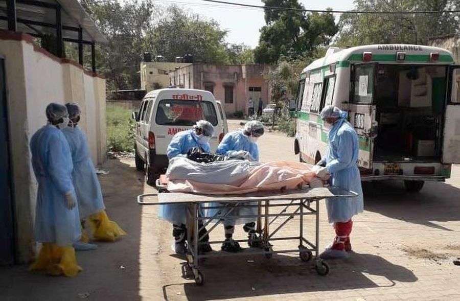 भीमगंजमंडी में चिकित्सा टीमें कर रही घर-घर सर्वे