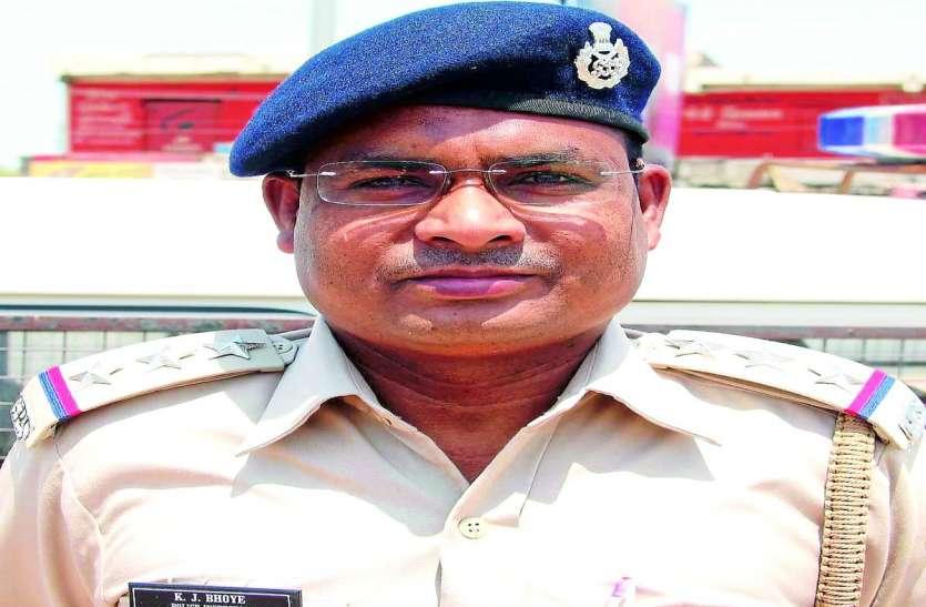Corona karmaveer : परिवार से पहले duty को प्राथमिकता दे रहे पुलिसकर्मी