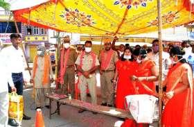 #CoronaKeKarmvir: हनुमान जयंती पर डयूटी कर रहे कर्मवीरों का किया अभिनंदन...देखे तस्वीरें