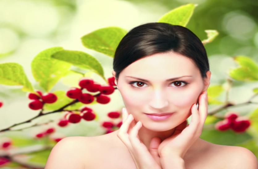 Beauty Tips: बदलते माैसम में बेदाग त्वचा के लिए अपनाएं ये घरेलू टिप्स