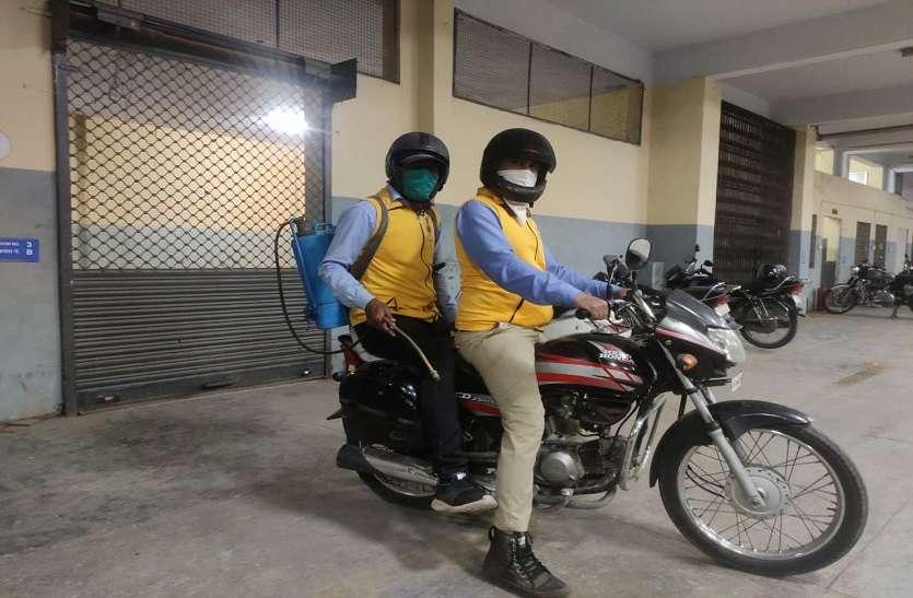 Civil Defence Jaipur : सरकारी वाहन का इंतजार नहीं, बाइक है ना