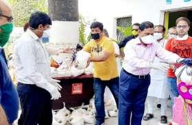 रीवा में संभागायुक्त ने शहर के सफाई योद्धाओं का स्वागत कर बढ़ाया हौसला