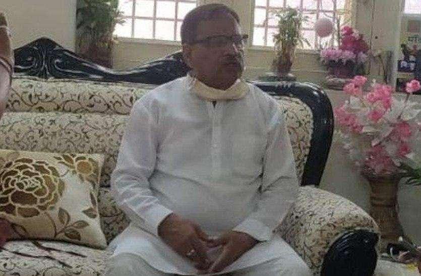 Corona Politics : भाजपा पर भड़के जोशी, कहा: भाजपाइयों को पिलाई जाती है राजनीति करने की घुट्टी