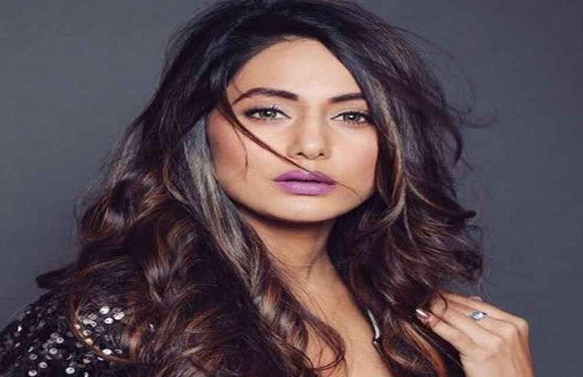 डिजाइनर्स की बदसलूकी पर हिना खान ने तोड़ी चुप्पी, एक्ट्रेस ने किया चौंकाने वाला खुलासा