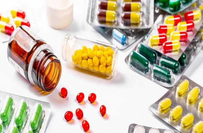 संकट की घड़ी में दवा पहुंचा मिटा रहे दर्द