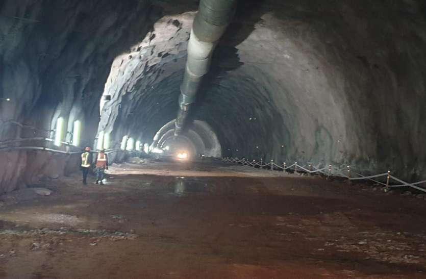 कोरोना वायरस के कारण रुका मोहनिया घाटी में टनल का निर्माण कार्य