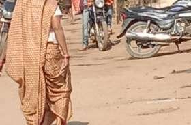 साईंखेड़ा में बिना मास्क लगाए सब्जी दूध बेच रहे कुछ विक्रेता