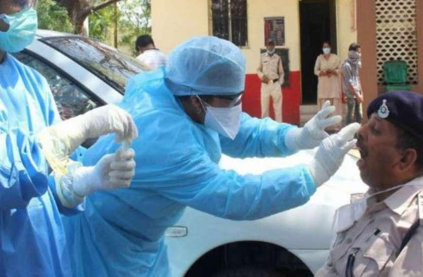 भोपाल में अब तक 34 पुलिसकर्मी कोरोना से संक्रमित, ADG का दावा- जमातियों से पहुंचा पुलिस तक COVID-19