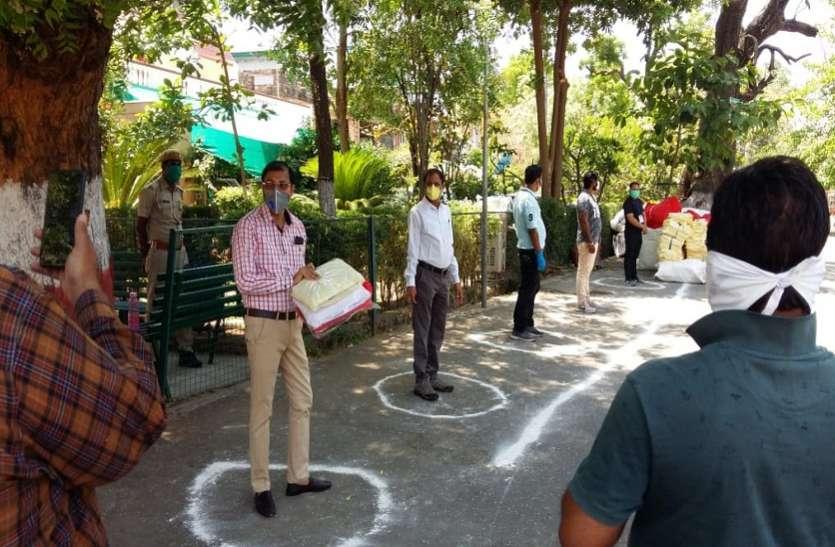 धारीवाल की पहल, निगम सफाई कर्मचारियों को बांटे 1370 पीपीई किट