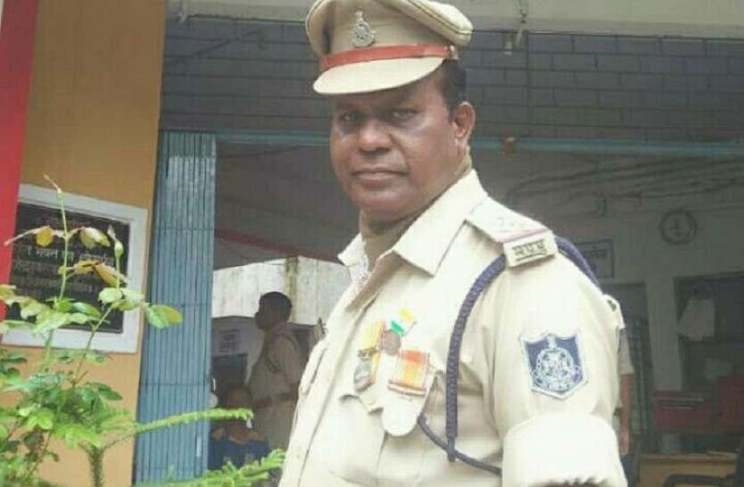 कोरोना के खिलाफ जंग के बीच पुलिस उप निरीक्षक की बिगड़ी तबीयत, मौत