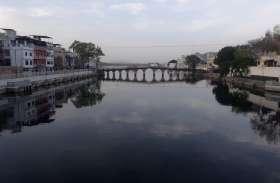 गंगा सी निर्मल होने लगी हमारी झीलें