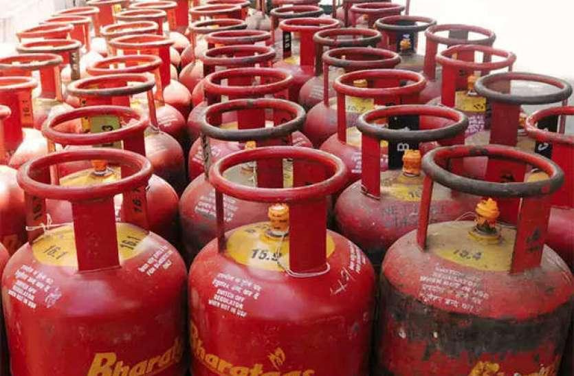 घरेलू गैस सिलेंडर एक रुपए महंगा, व्यावसायिक दो रुपए सस्ता
