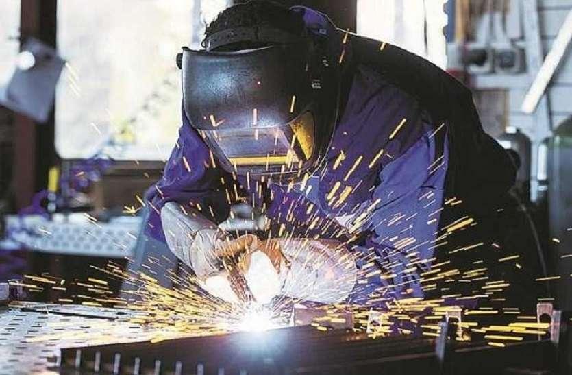 मजदूर वापस लौटे तो, कारखानों में काम कैसे होगा