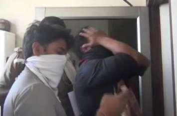दरोगा की बेटी का शव फंदे से लटका मिला, परिजनों ने प्रेमी कांस्टेबल पर लगाया हत्या का आरोप