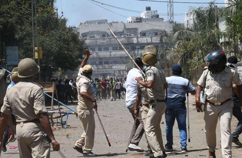 लॉकडाउन उल्लंघन पर पुलिस सख्त—12 हजार को पुलिस ने दबोचा,2100 मुकदमे भी दर्ज