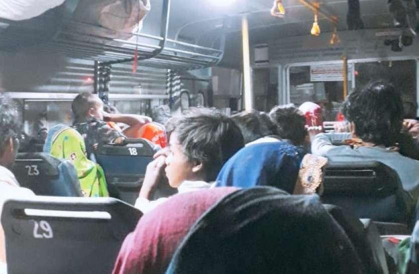 एक-एक हजार रुपए किराया देकर जेसलमेर से श्योपुर पहुंचे 563 मजदूर
