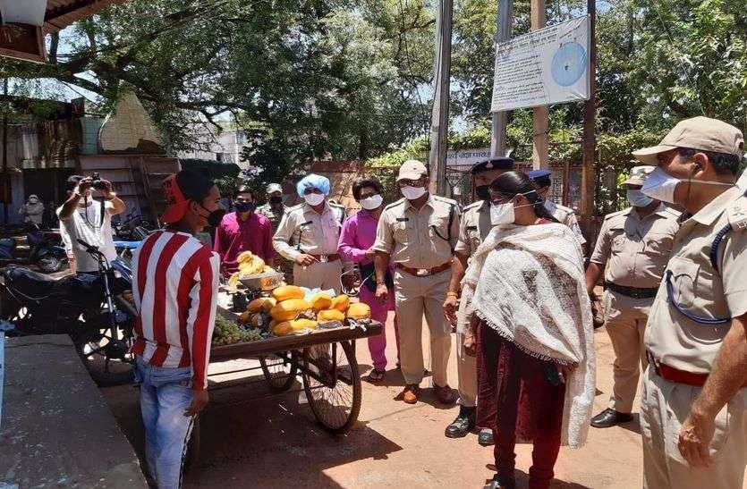 शिवपुरी शहर में कई जगह कमी देखकर अधिनस्थों को दिए सुधार के निर्देश