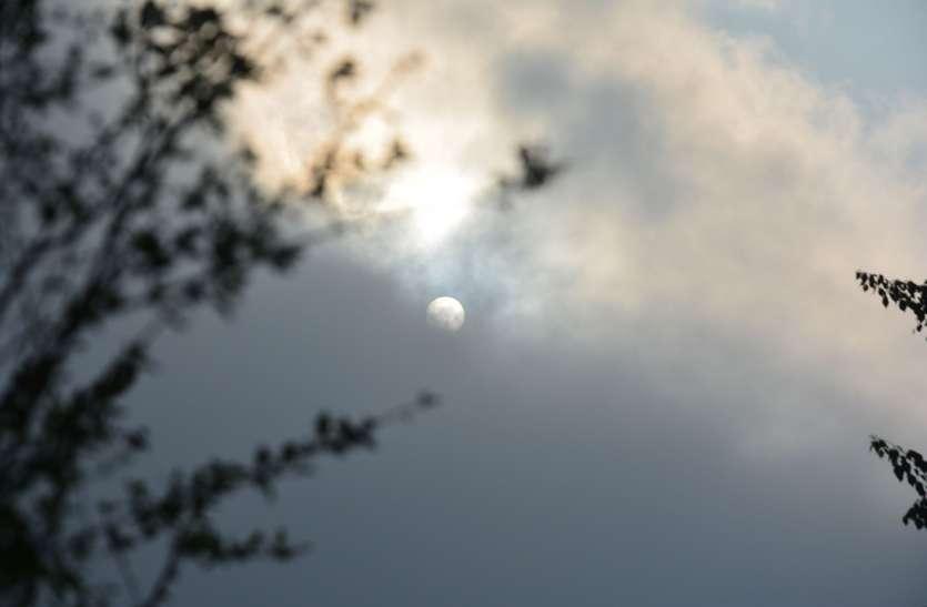 दिन में तापमान 41 डिग्री, रात को तेज गर्जना से चमकी बिजली, अलवर और बहरोड़ में बारिश