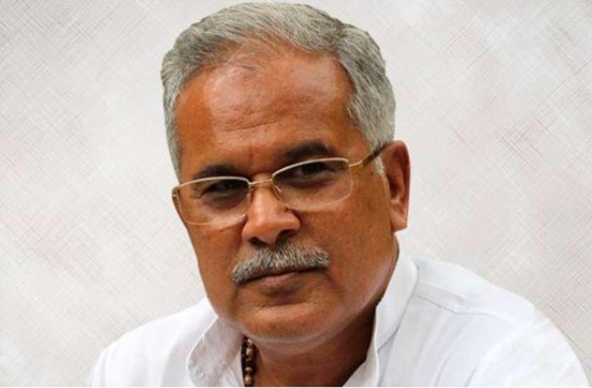 बिहार में कांग्रेस विधायक दल का नेता चुनने पटना पहुंचे CM भूपेश बघेल