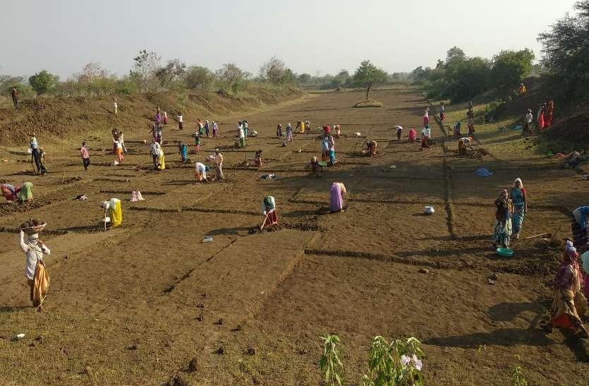 कोरोना संकट में सहारा बना मनरेगा, 72 हजार से ज्यादा ग्रामीणों को मिल रहा रोजगार