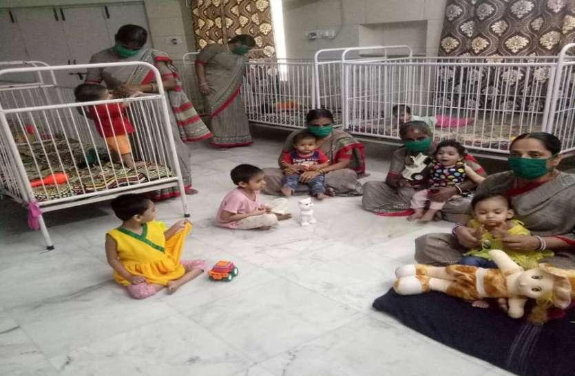 मदर्स डे विशेष : लॉकडाउन में अनाथ बच्चों पर ममता लुटाने गृहमाताओं ने छोड़ दिया अपना घर-परिवार