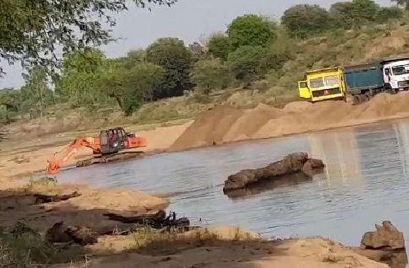 रेत का अवैध खनन को रोकने में नाकाम है प्रशासन : विजय चौरे