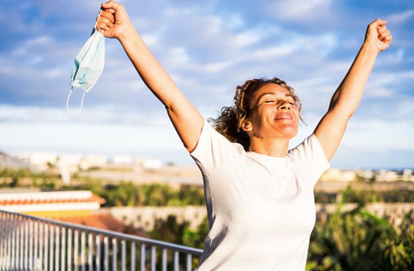 Stay Happy: तनाव को दूर रखने के लिए काफी हैं ये 4 टिप्स, आप भी आजमाएं