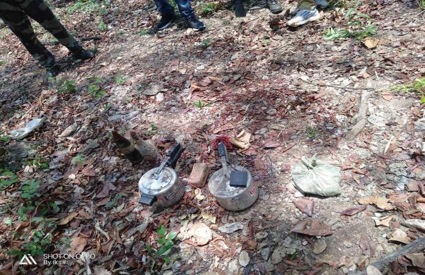 दंतेवाड़ा में चौकन्ने जवानों ने तोड़ी नक्सली साजिश की कमर, 7 बम बरामद