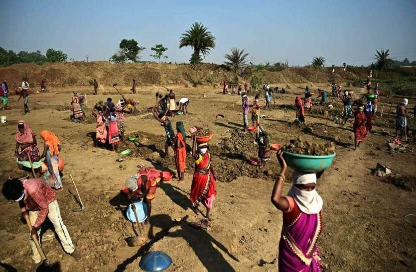 लॉकडाउन 3.0 में मनरेगा कार्यों से राहत, बस्तर में 31397 ग्रामीणों को रोजगार