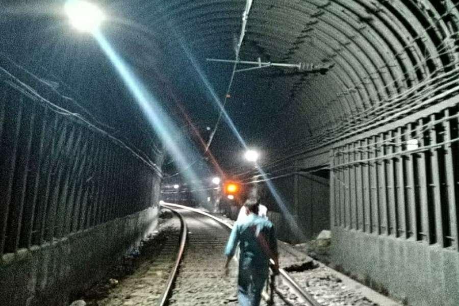 सेंट्रल रेलवे मानसून तैयारियां जोरों पर
