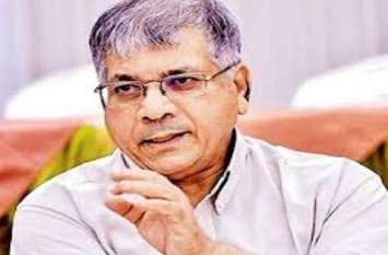 Politics : पीएम मोदी के खिलाफ 302 का मुकदमा दर्ज होना चाहिए - प्रकाश अम्बेडकर