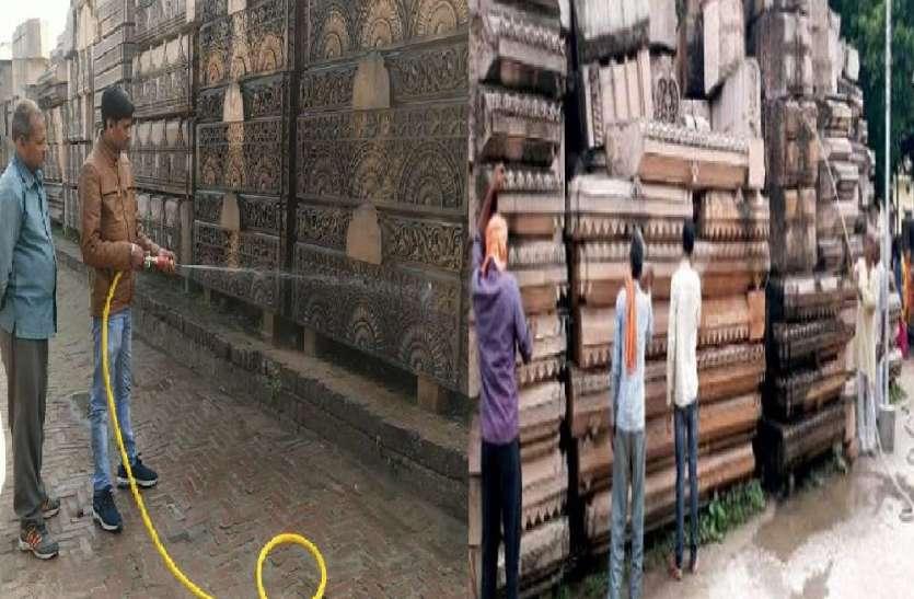 पत्थरों की सफाई शुरू, लॉकडाउन हटते ही शुरू होगा मंदिर निर्माण