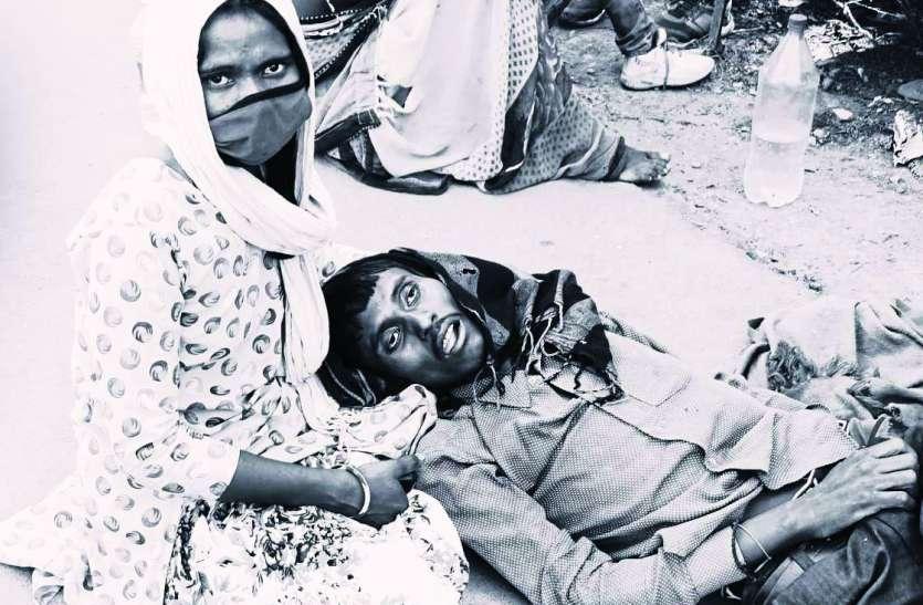 भोजन के लिए कतार में खड़े प्रवासी मजदूर की मौत, प्रशासन बोला नेचुरल डेथ है